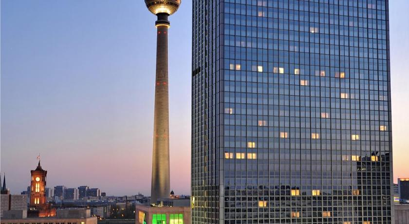berlin alexanderplatz park inn