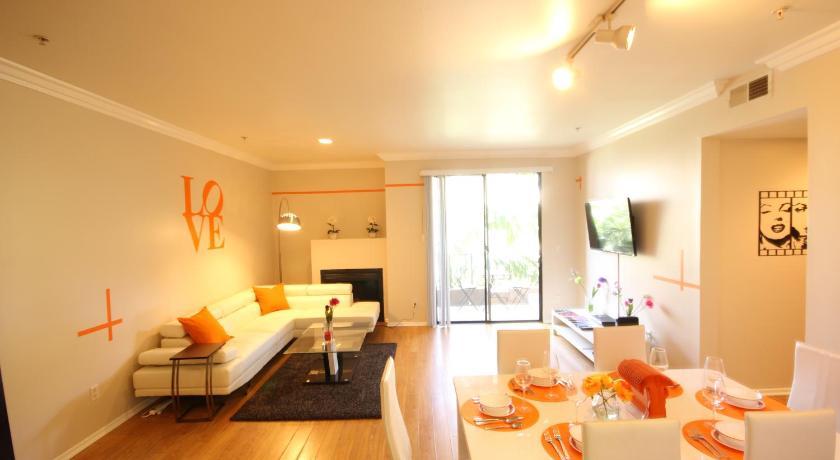 Hawthorn Ave Apartment (Los Angeles)