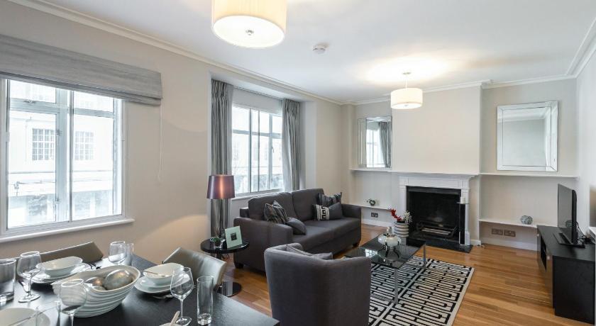Brompton Road Apartment (London)
