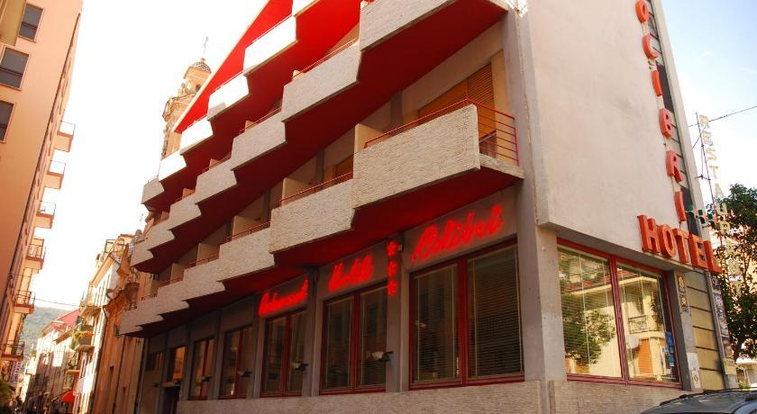 Hotel colibr italia finale ligure for Hotel liguria milano