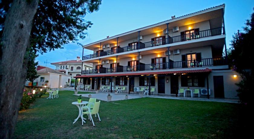 Apollo Apartments & Studios, Apartment, Afitos, Halkidiki, 63077, Greece