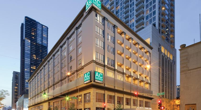 AC Hotel Chicago Downtown by Marriott (Formerly... (Chicago)