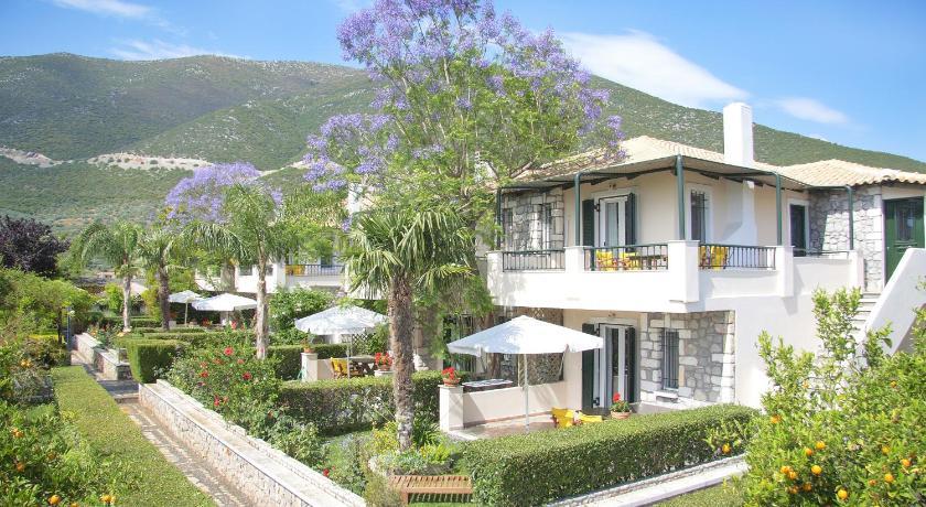 Sunny Garden Apartments, Apartment, Main Street Ancient Epidavros, Argolida, 21059, Greece