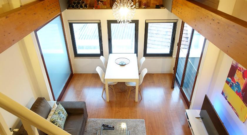 Vaulted Ceiling Apartment in Principe Real (Lissabon)