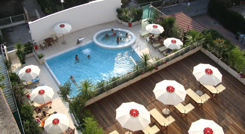 Hotel Byron (Rimini)