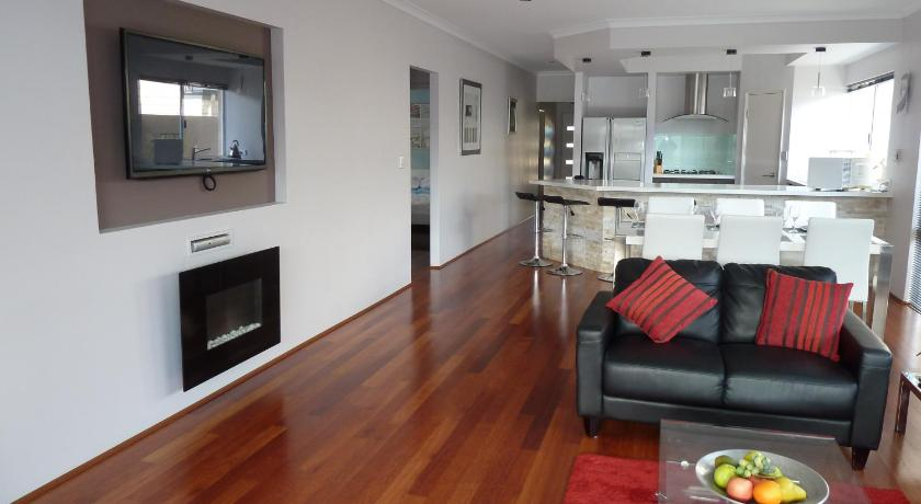 Vacation Home Jindalee Beach Retreat
