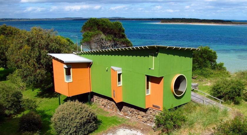 Lodge Beachside Retreat West