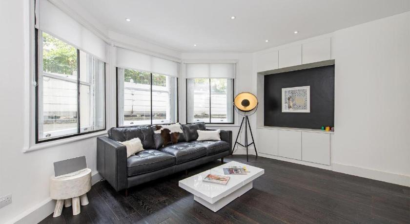 London Escorts Near Contemporary Apartment Holland Park