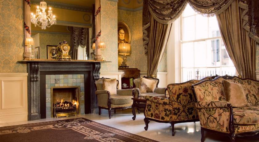 Buswells Hotel (Dublin)