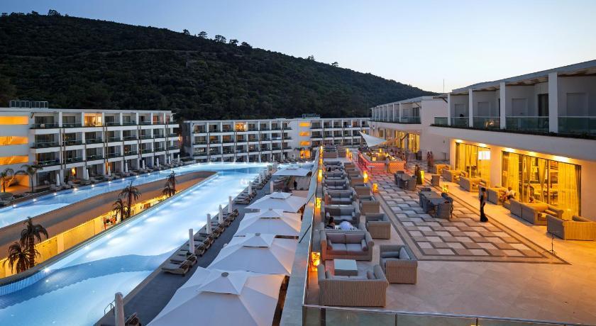 هتل تر لاگژری
