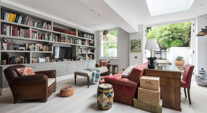London Escorts Near onefinestay - Westbourne Grove apartments