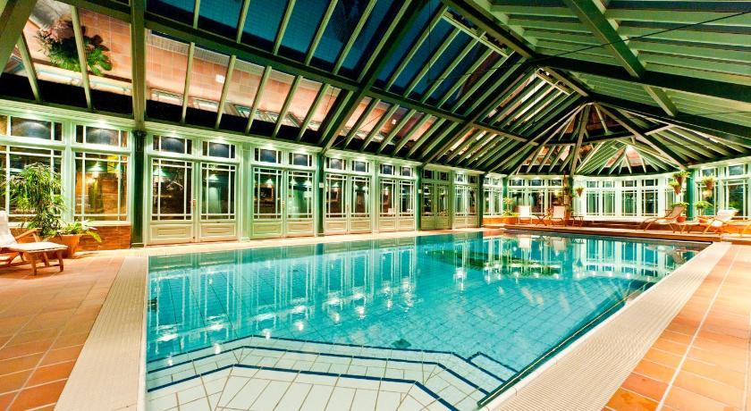 Sundvollen hotell basseng