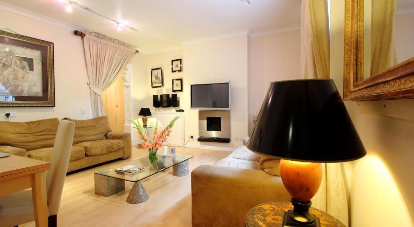 London Escorts Near Exclusive Knightsbridge Apartment