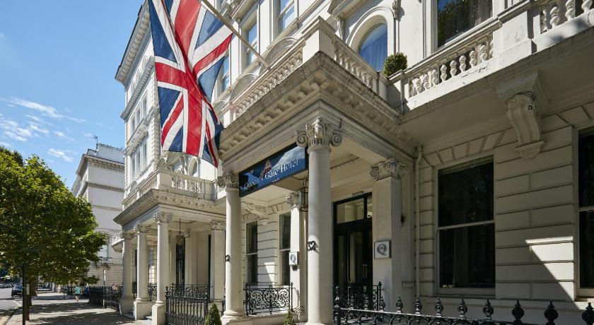 London Escorts Near The Queens Gate Hotel