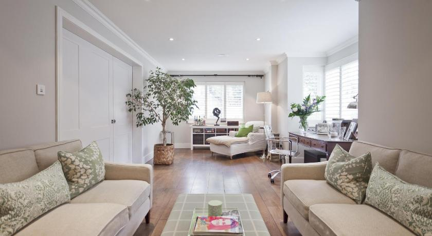 London Escorts Near onefinestay - Clapham apartments II
