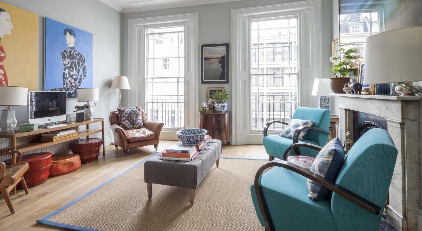 London Escorts Near onefinestay - Pimlico apartments II