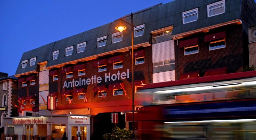 London Escorts Near Antoinette Hotel Wimbledon