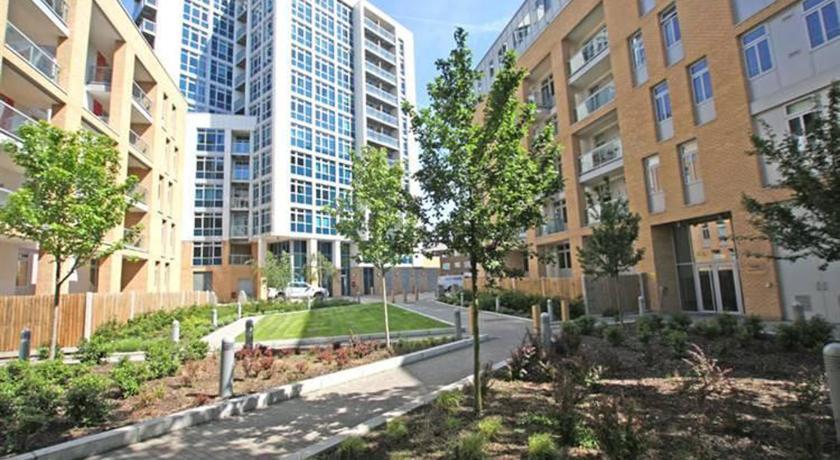 London Escorts Near Modern Apartment in Limehouse