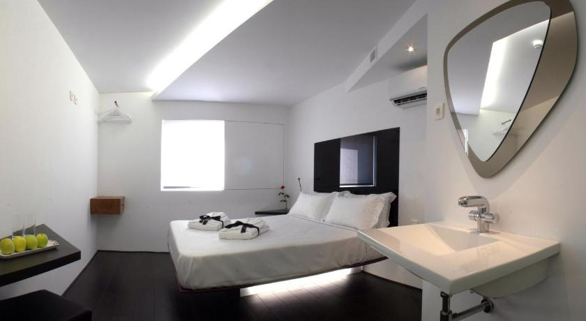 Absoluto design hotel viana do castelo for Booking design hotel