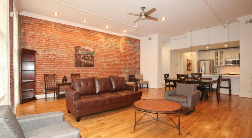 downtown luxury two bedroom suite 200 new orleans usa