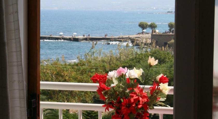 Lovely Holidays Hotel, Hotel, 9 Emmanuel Parlama, Limenas Hersonissou (Center), Hersonissos, 70014, Greece