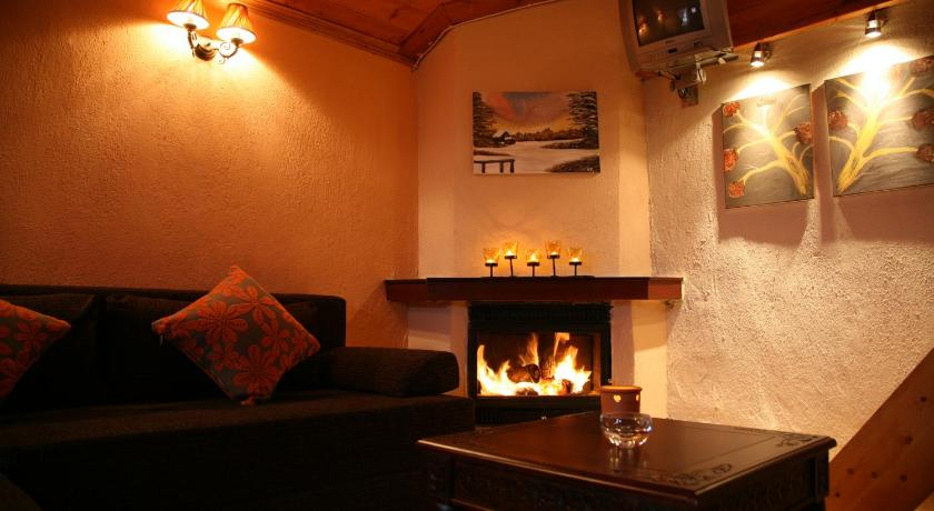 Karavit'S Guesthouse, Hotel, Palaios Agios Athanasios, Pella, 58002, Greece