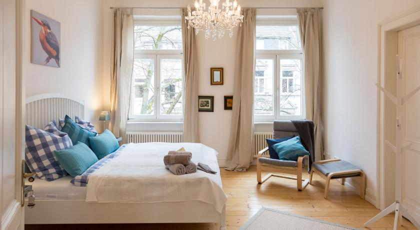 Bed and breakfast blues chutney bonn germany for Boutique hotel bonn