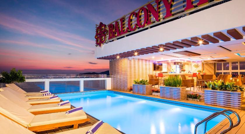 Balcony nha trang hotel vietnam for Balcony booking