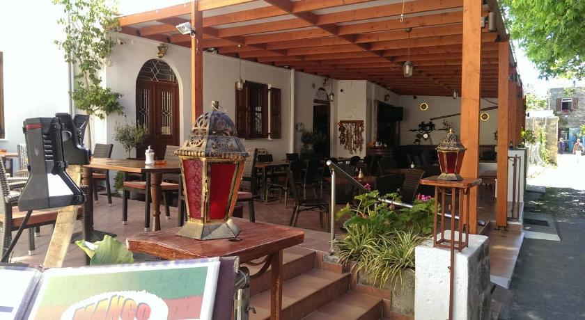 Mango Rooms, Room, Dorieos square 3 1st floor, Rhodes Town, 85100, Greece