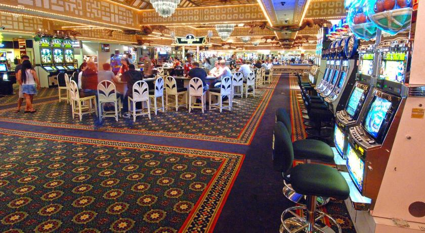 Nov 18, · Las Vegas Blvd S, The LINQ Hotel, Las Vegas, hash house slot tournament younger crowd drink service table games sports book nice casino free drinks high roller quad dealers slots ip poker waitress. Filter English. Updating list 1 - 10 of reviews. Karen M. Indiana. /5().