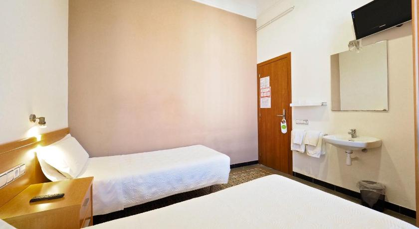 Pensión Peiró, petit hotel simple dans le quartier de Poble Sec à Barcelone.