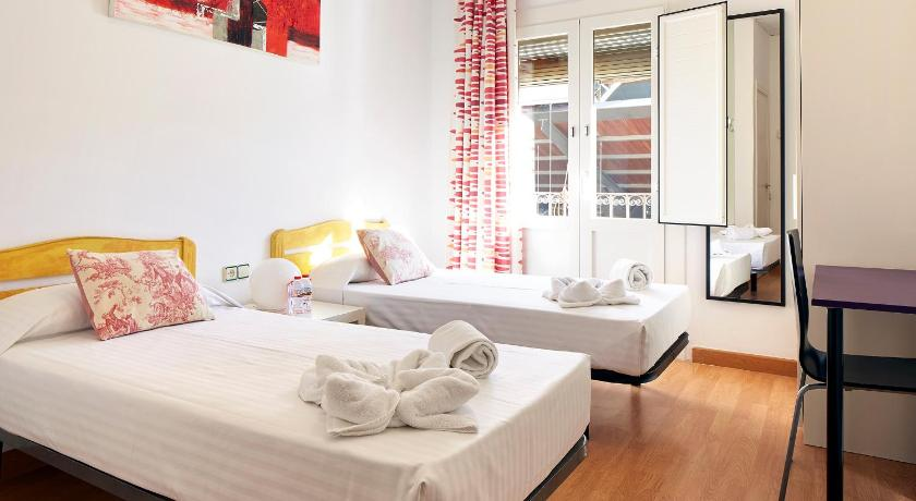 4 appartements louer barcelone id al en groupe et en for Appart hotel barcelone avec piscine