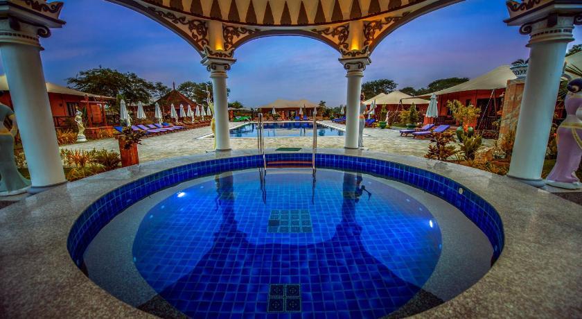 http://q-ec.bstatic.com/images/hotel/840x460/694/69482681.jpg