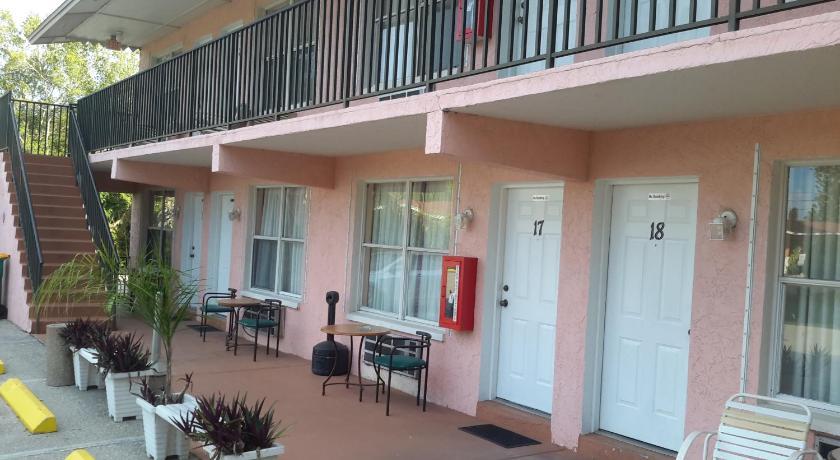 Conty's Motel Picture