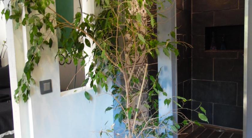 Bed and breakfast le jardin suspendu gignac france for Jardin suspendu