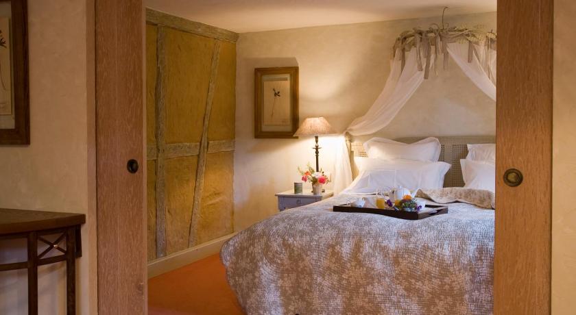http://q-ec.bstatic.com/images/hotel/840x460/802/8027550.jpg