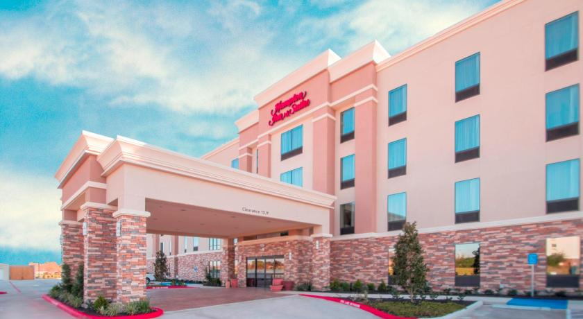 Hampton inn suites la porte tx vs la porte for Hotels in la porte tx