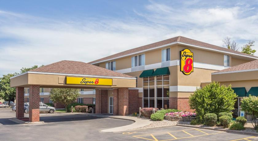 Super 8 by Wyndham Roswell in Roswell on redlightsocial.ml and earn Rewards nights. Collect 10 nights get 1 free*. Read genuine guest reviews for Super 8 by Wyndham Roswell which are subject to availability and can be requested by contacting the property using the number on the booking /5().