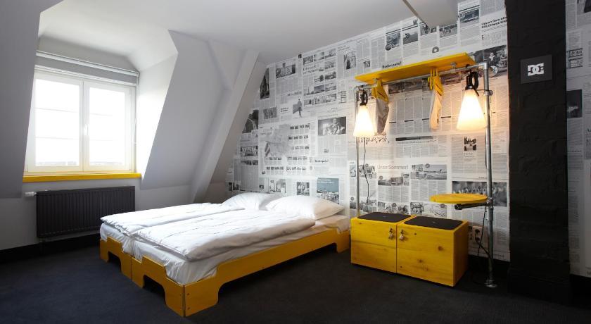 superbude hostel st pauli hamburg including reviews. Black Bedroom Furniture Sets. Home Design Ideas