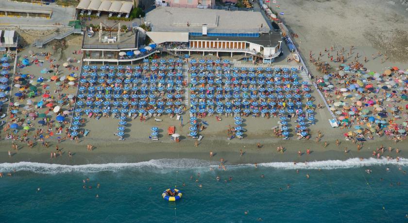 Booking Hotel Bagni Arcobaleno Deiva Marina 3 stelle