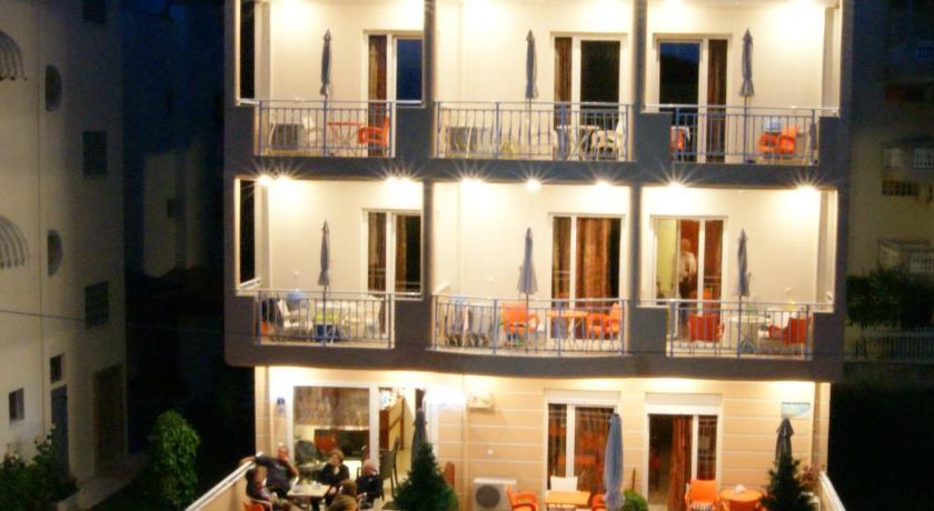 Marie Claire Studios, Hotel, 1 Athinas Street, Olympiaki Akti, 60100, Greece