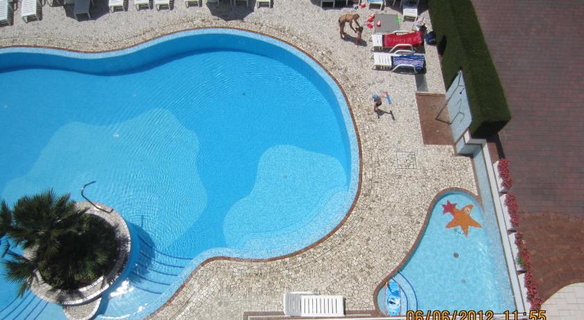 Hotel Ambassador Meuble (Lignano)