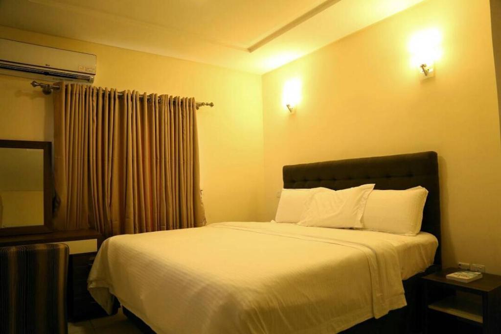 Biobak Apartments and Hotel