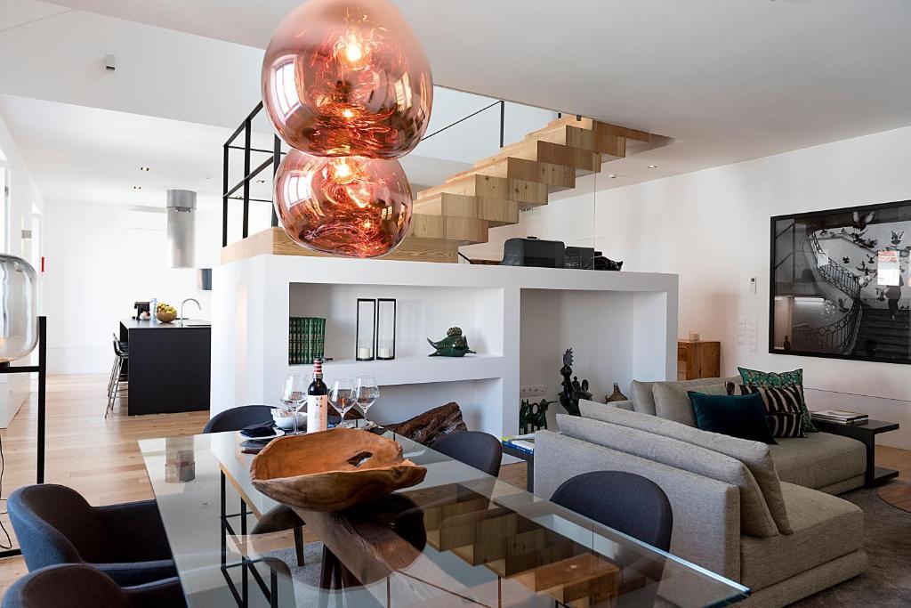 100210804 - Flora Chiado Apartments