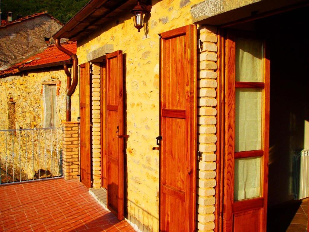 Casa de temporada casa vacanza il granaio it lia licciana for Casa del granaio cracker