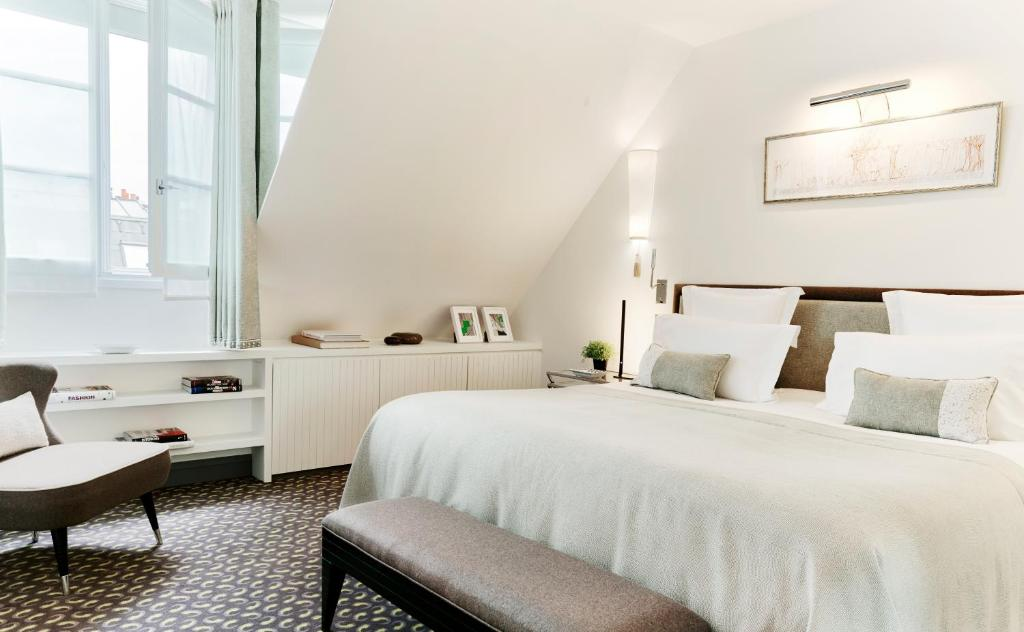 Le burgundy paris r servation gratuite sur viamichelin for Reservation gratuite hotel paris