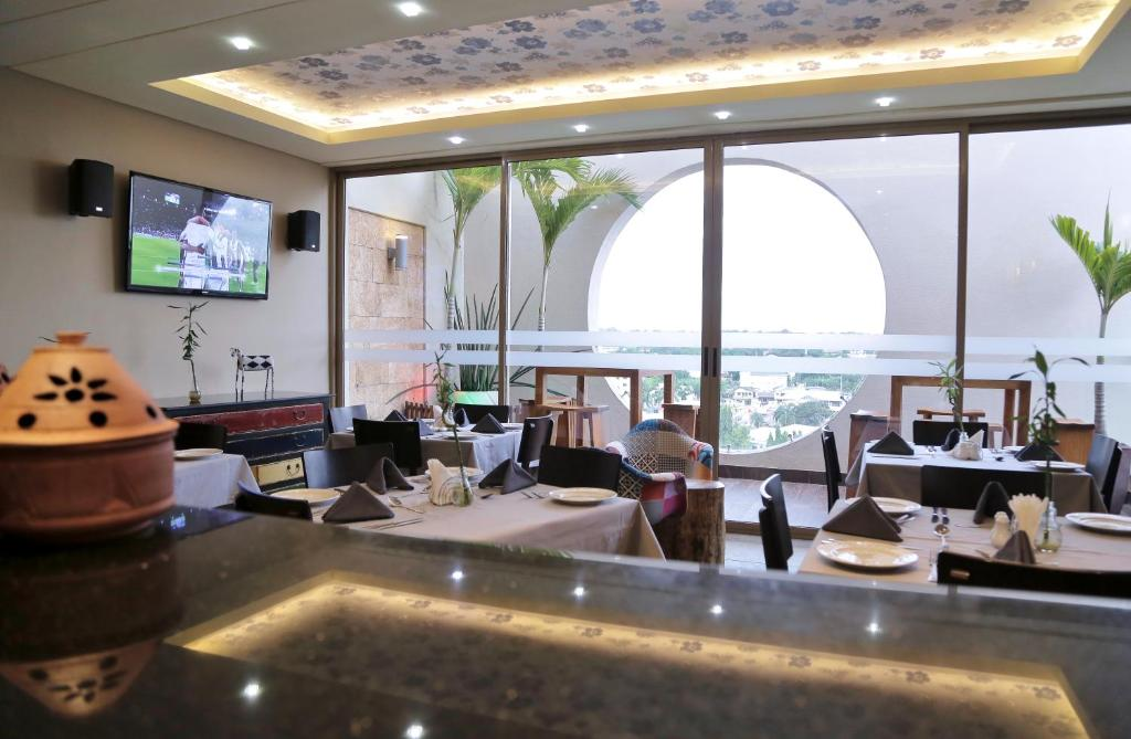 Busineb Hotel Booking