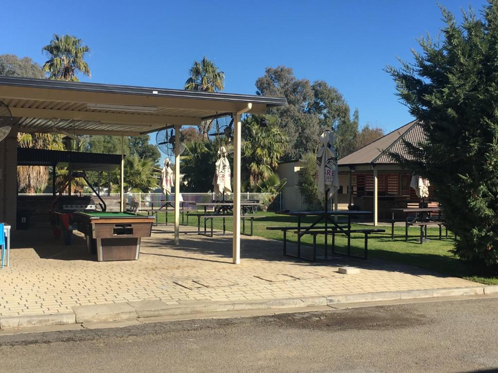 Palm And Pawn Tavern Motor Inn Bistro Wagga Wagga