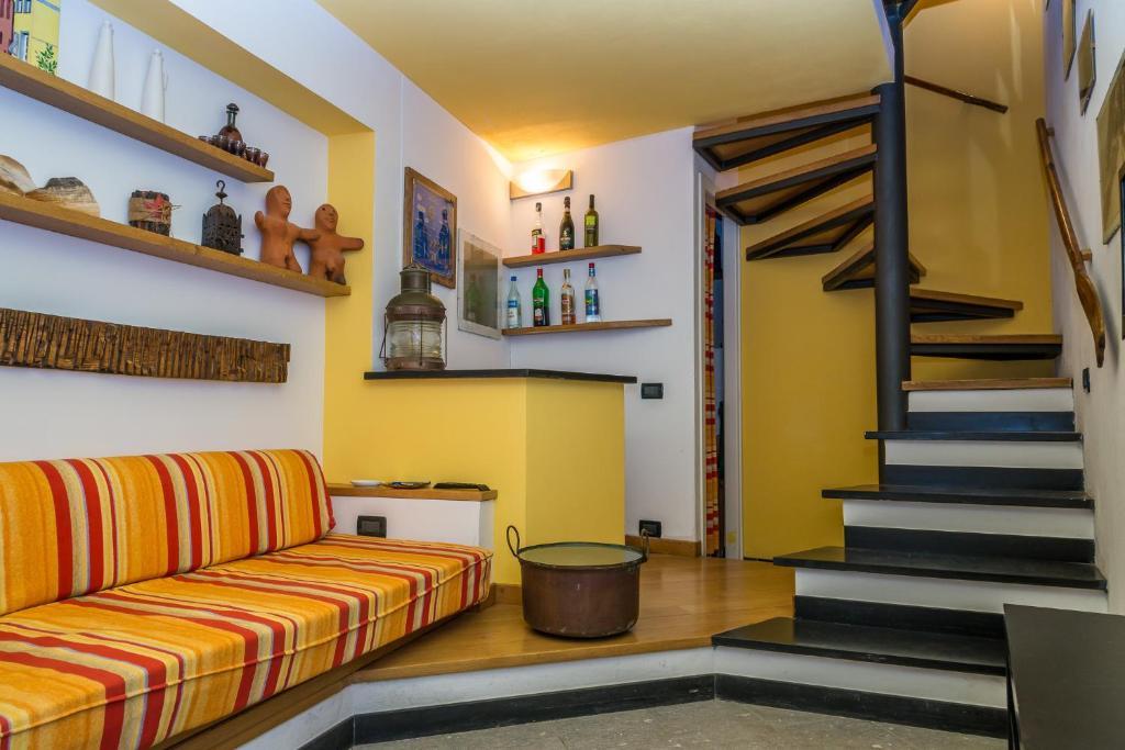 casa di mezzo la spezia informationen und buchungen online viamichelin. Black Bedroom Furniture Sets. Home Design Ideas
