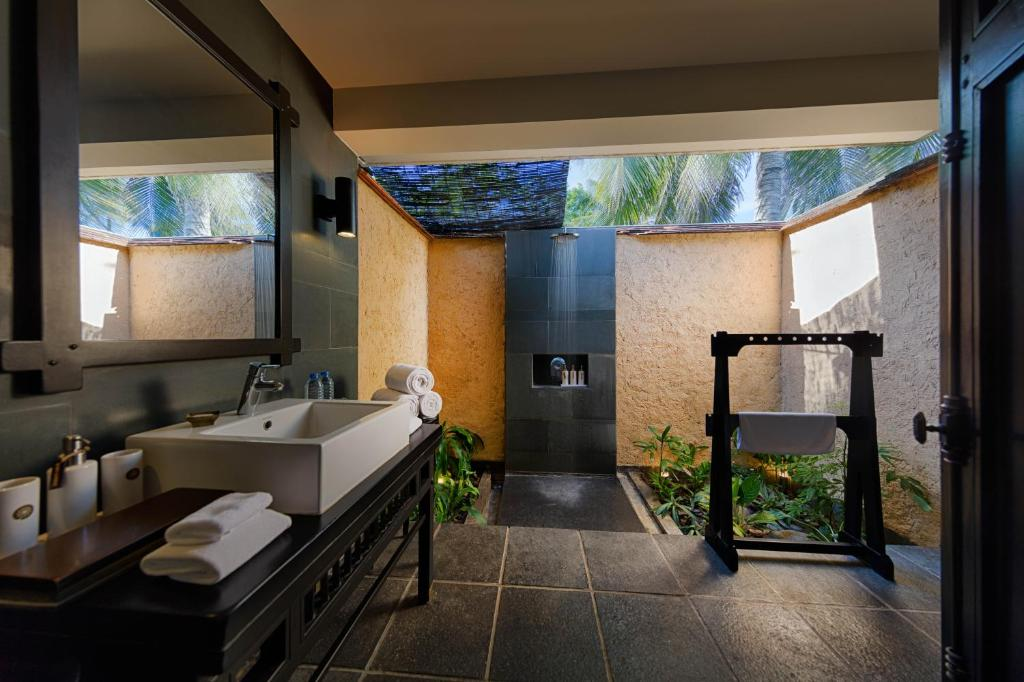 Biệt thự có hồ bơi 1 phòng ngủ nhìn ra vườn